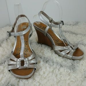 Kenneth Cole Reaction Limme A Sec silver wedges